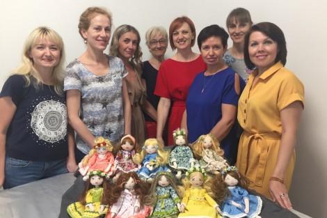 Поєднувати хобі та бізнес навчають майстрині hand-made у Кременчуці